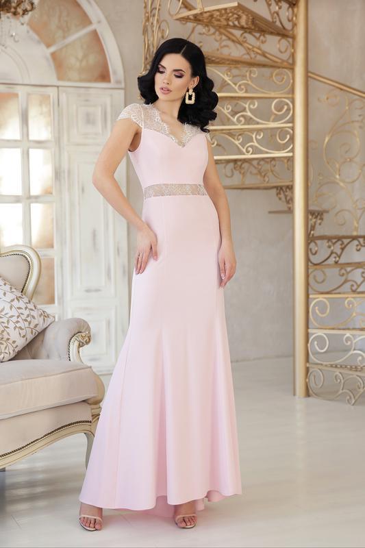 Красивое платье недно розового цвета!