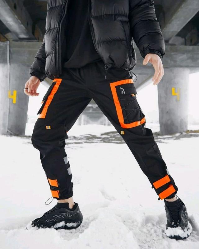 Брюки карго мужские Пушка Огонь Mote черные с оранжевым