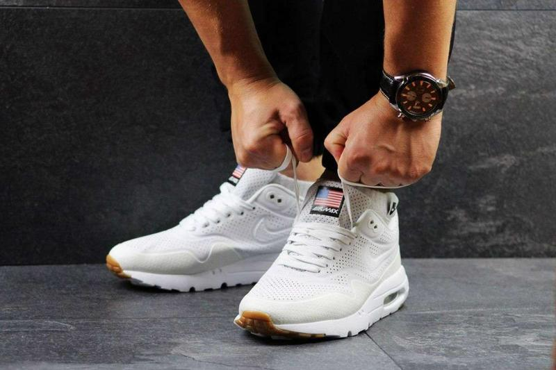 Кроссовки Nike Air Max 1 Ultra Moire белые 2461