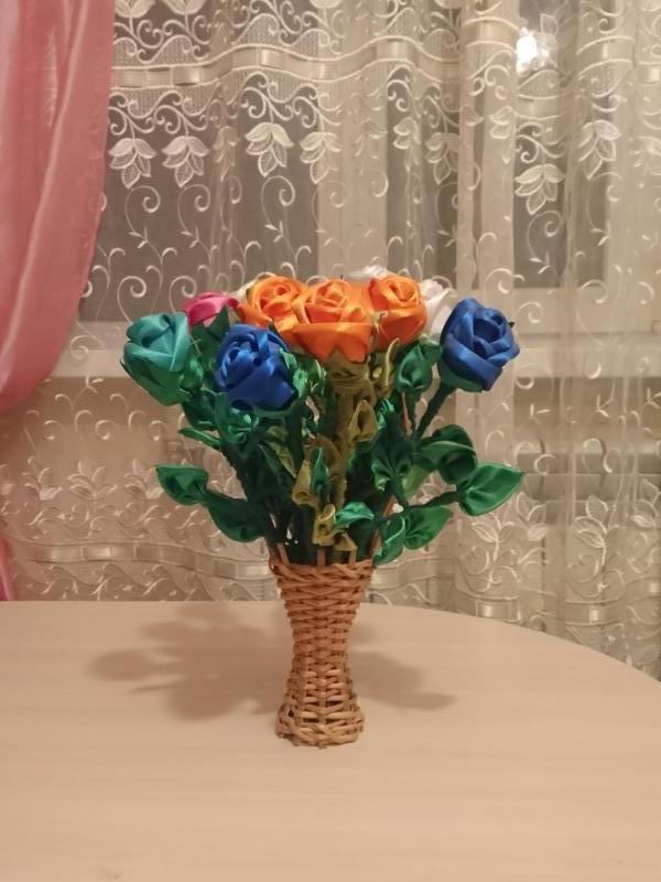 Рози з атласної ленти - Фото 2