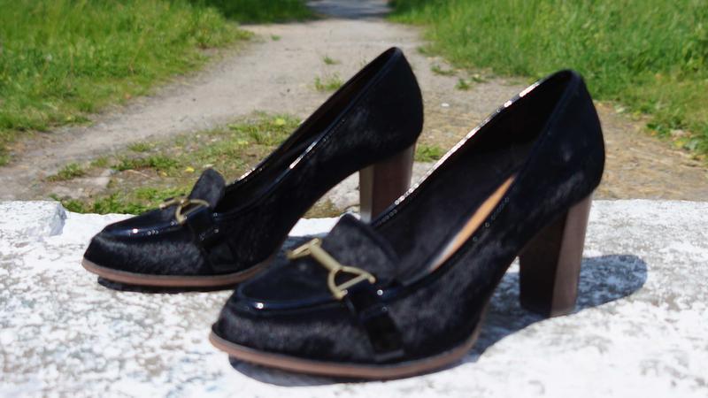 Жіночі туфлі clarks шкіра поні - Фото 2