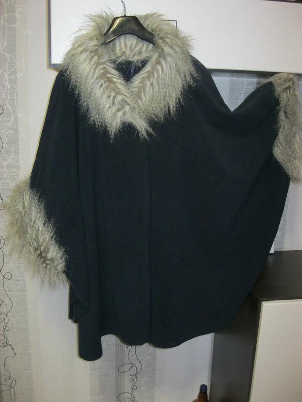 Суперское пальто пончо накидка кейп индиго с меховой отделкой ...