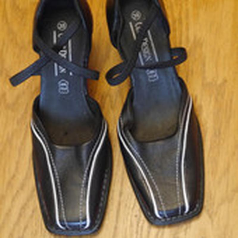 Туфлі шкіряні розмір 38  cult design