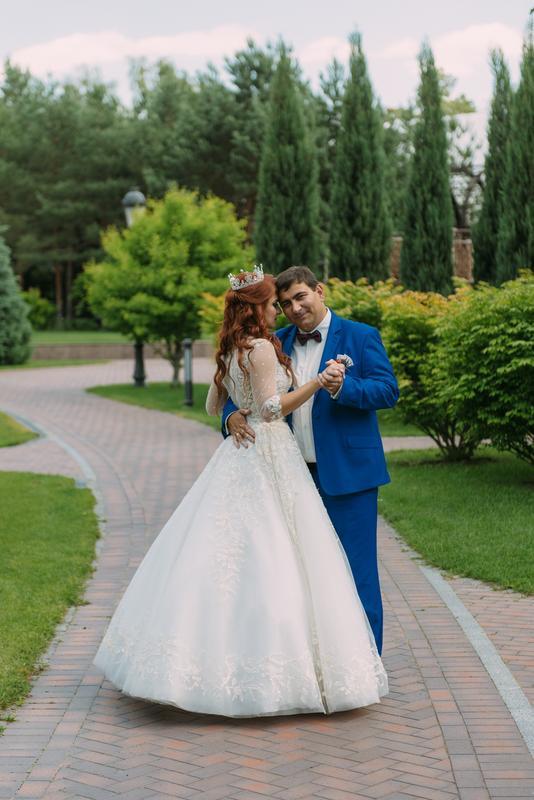 Продам красивейшее свадебное платье.