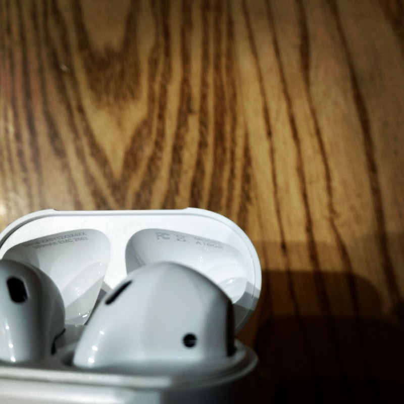 Apple airpods 2 - Фото 13