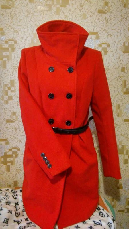 Трендовое пальто reserved