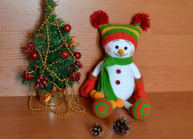 Снеговик (игрушка вязаная крючком) - Фото 2