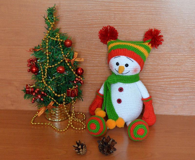 Снеговик (игрушка вязаная крючком) - Фото 4