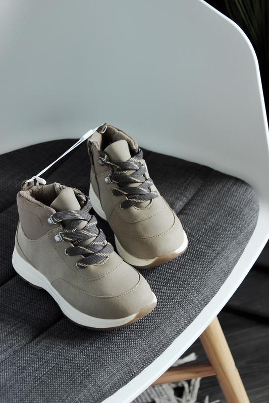 Новые демисезонные ботинки zara