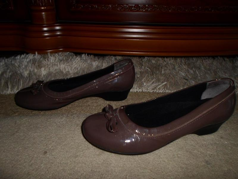 Качество от clarks. красивеные комфор.бренд.туфли,кожа,англия