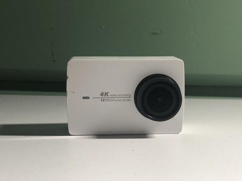 Экшн-камера Xiaomi Yi 4K White + Аксессуары