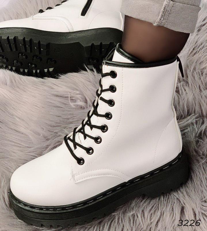 Стильные белые ботиночки новинка