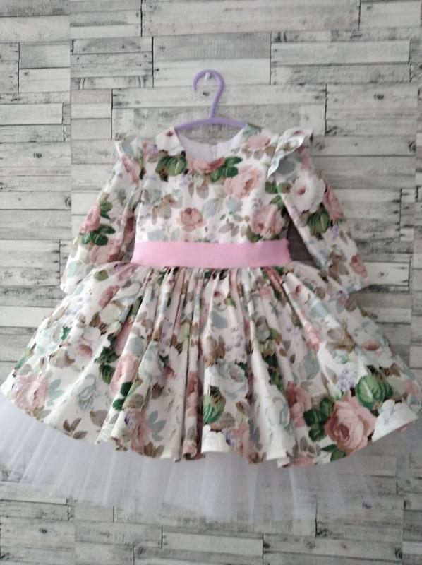 Платье праздничное ,нарядное для девочки