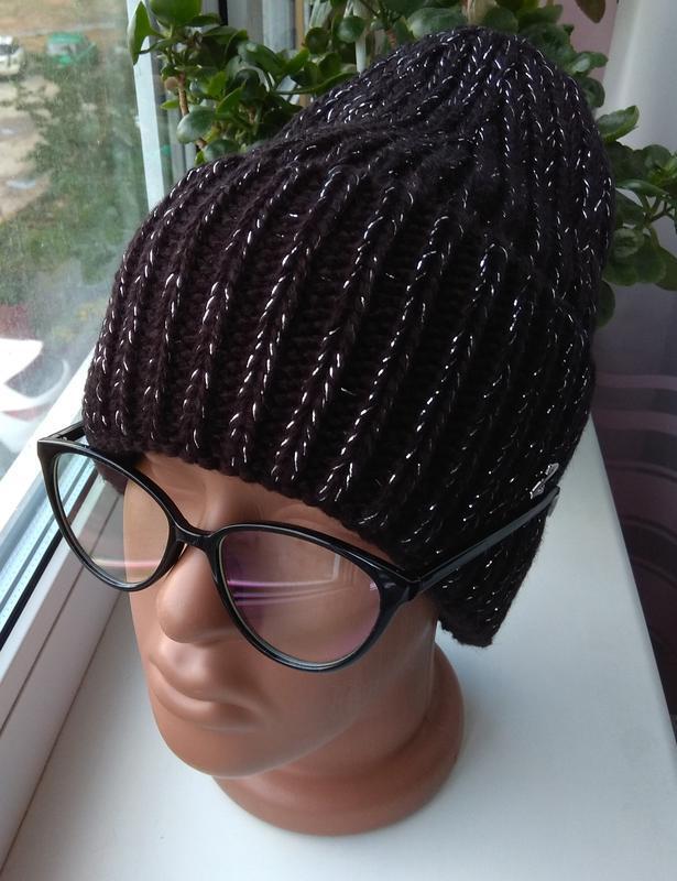 Модная новая шапочка с подворотом с люрексом, черная