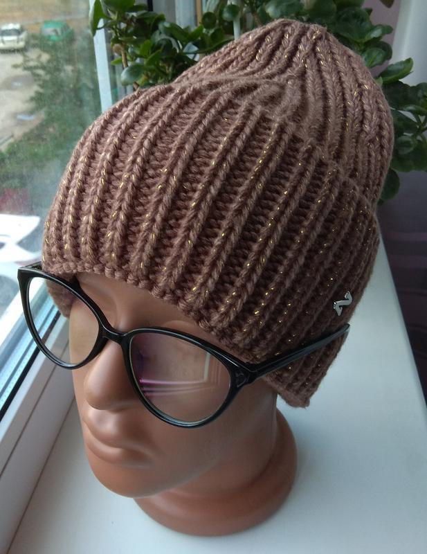 Модная новая шапочка с подворотом с люрексом, коричневая