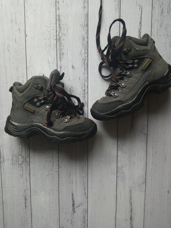 Замшевые мембранные ботинки
