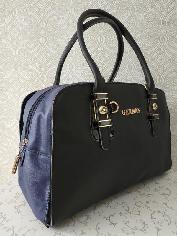 Кожаная сумка саквояж дешево, черная с синим . уценка.