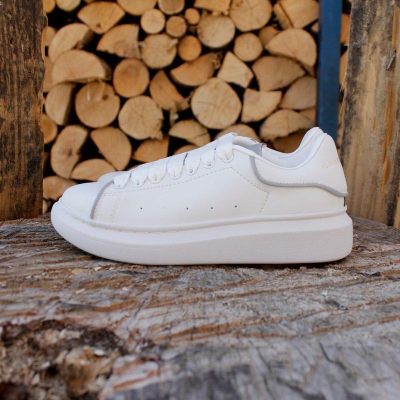 Шикарные кроссовки alexander mcqueen white (весна/ лето/ осень)