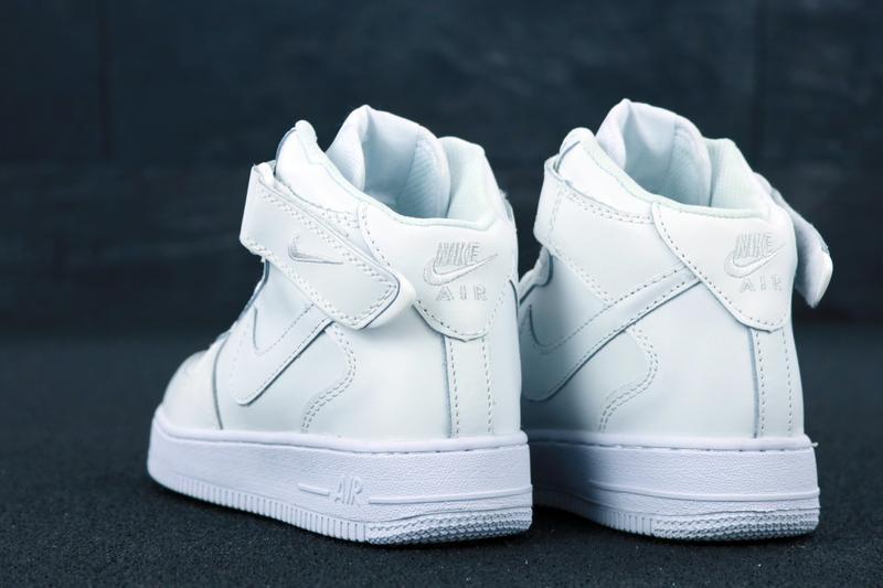Белые кроссовки nike air (осень) - Фото 2
