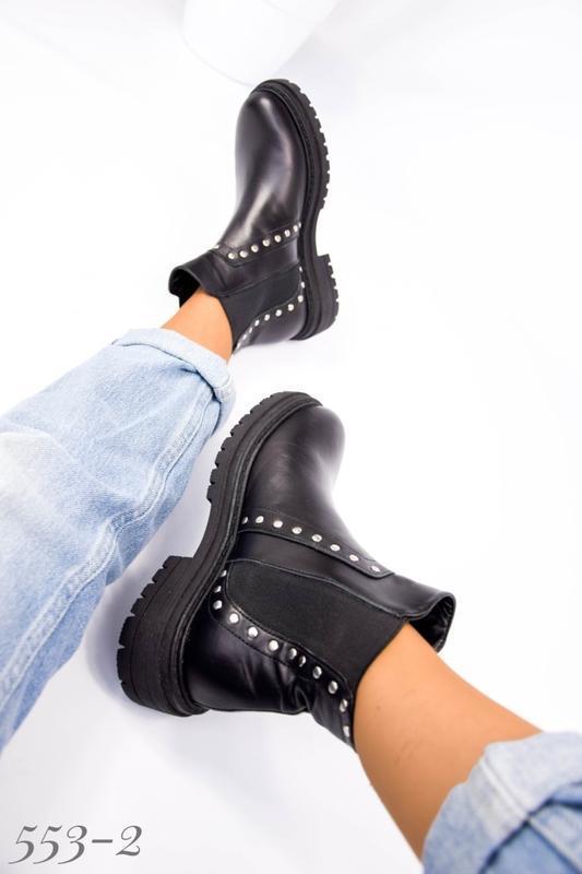 Женские кожаные ботинки на резинке - Фото 2