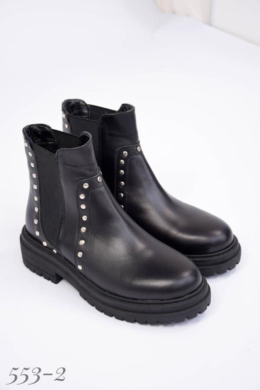 Женские кожаные ботинки на резинке - Фото 5