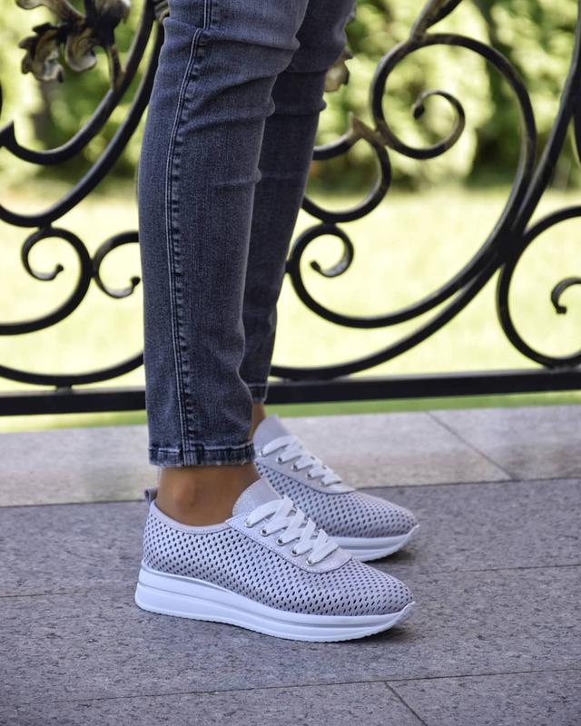 Женские кроссовки из натуральной перфорированые кожи - Фото 2