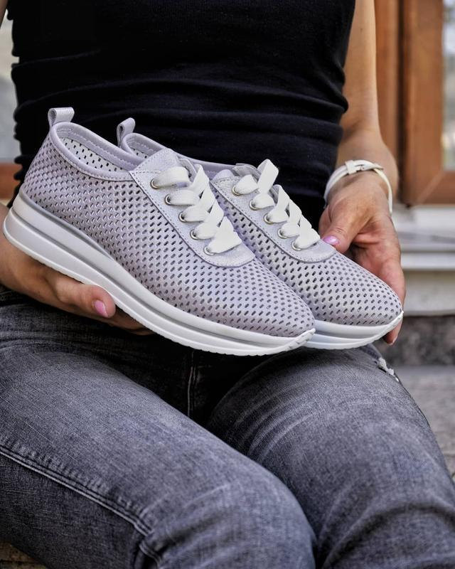 Женские кроссовки из натуральной перфорированые кожи - Фото 3