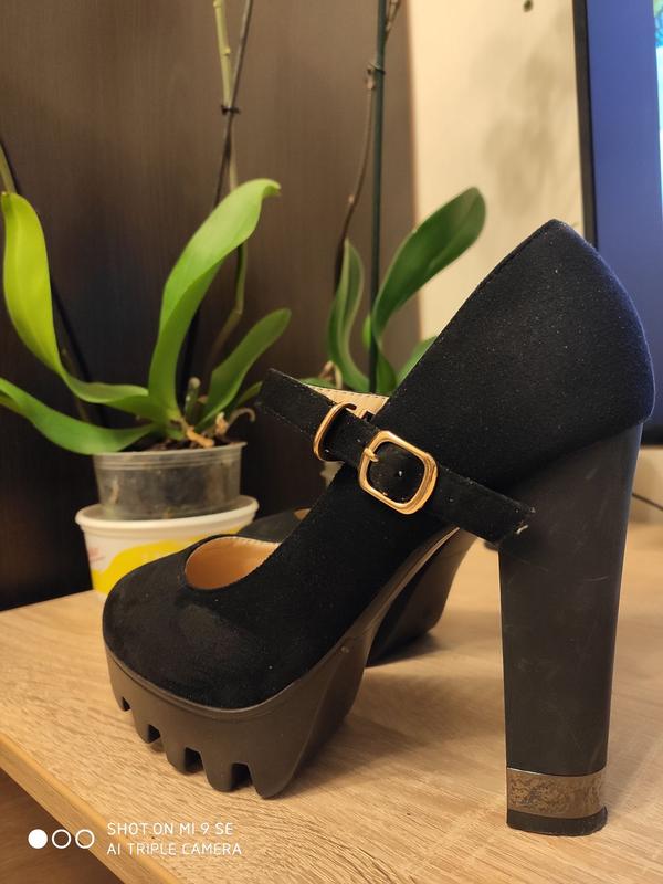 Жіночі туфлі, 40