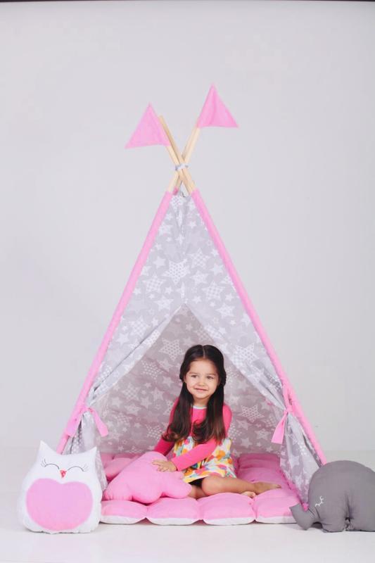 Подушки  игрушки палатки домики вигвам