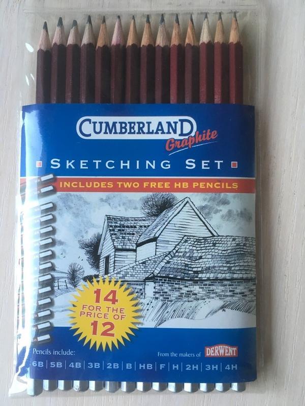 Продам набор чернографитных карандашей Derwent