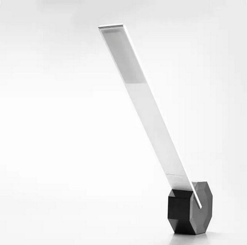 Стильная настольная led лампа usb