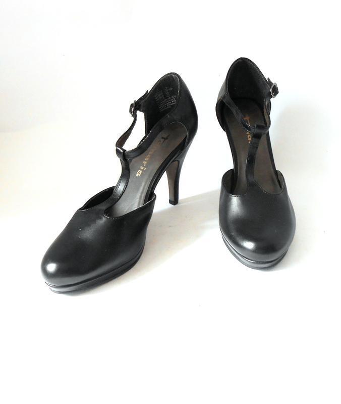 Стильные закрытые босоножки / открытые туфли от бренда tamaris...