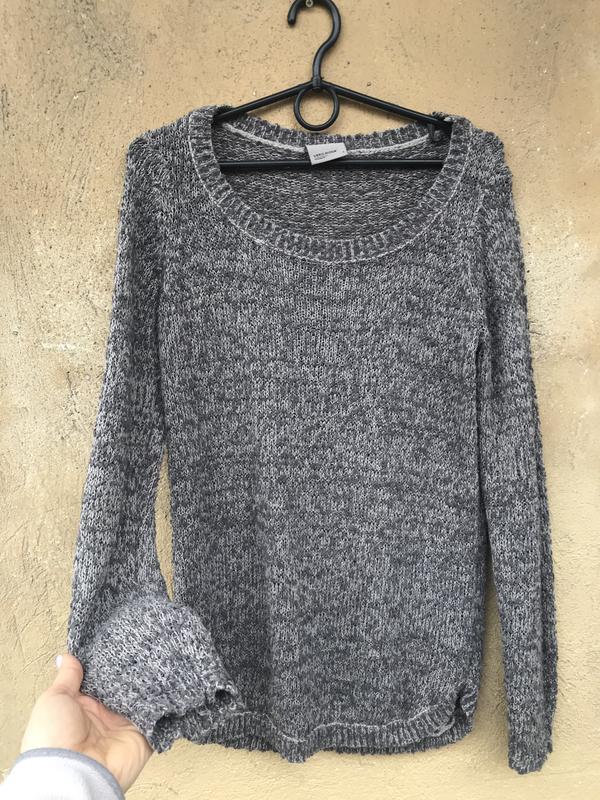 Красивый фирменный свитер , светр vero moda