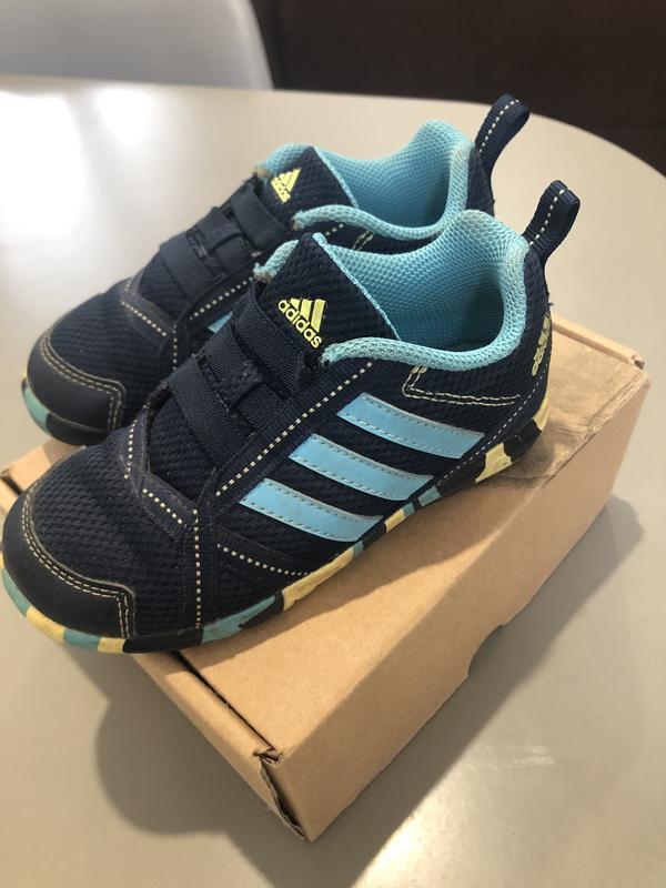 Продам кроссовки adidas, p.26 , 15.3 см