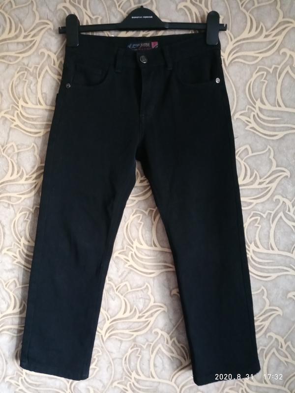 Хорошие черные джинсы для мальчика 7/8 лет