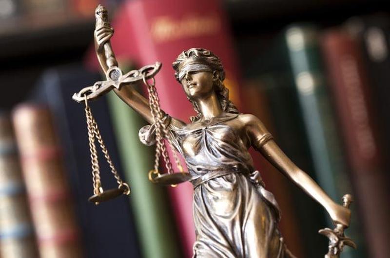 Надаю юридичні послуги