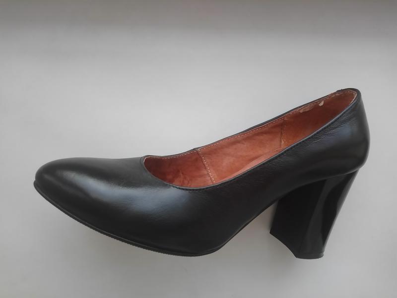 Шкіряні туфлі лодочки нові