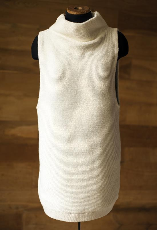 Белый длинный свитер под горло без рукавов free people, размер м
