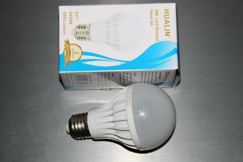 Лампа Hualin 9W LED 6400K e27, заявленная яркость 600lm - Фото 4
