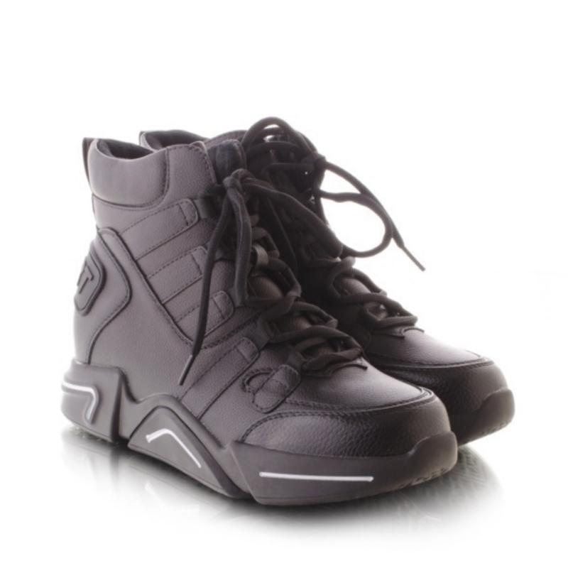 Женские ботинки чёрного цвета