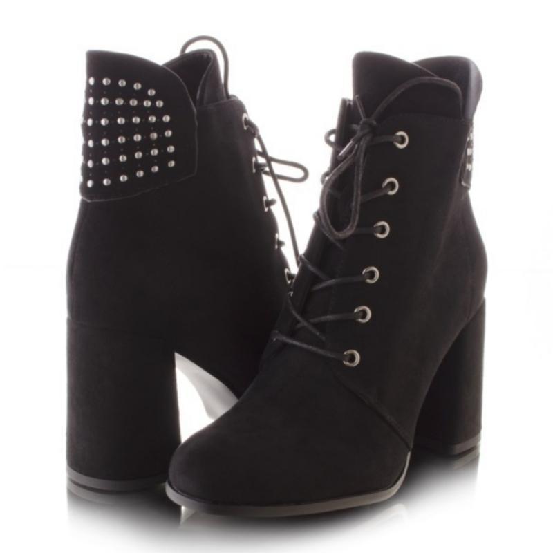 Ботинки чёрного цвета на каблуке - Фото 2