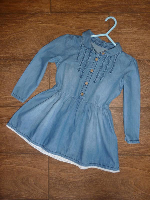 Джинсовое платье с рукавом на 4-5 лет