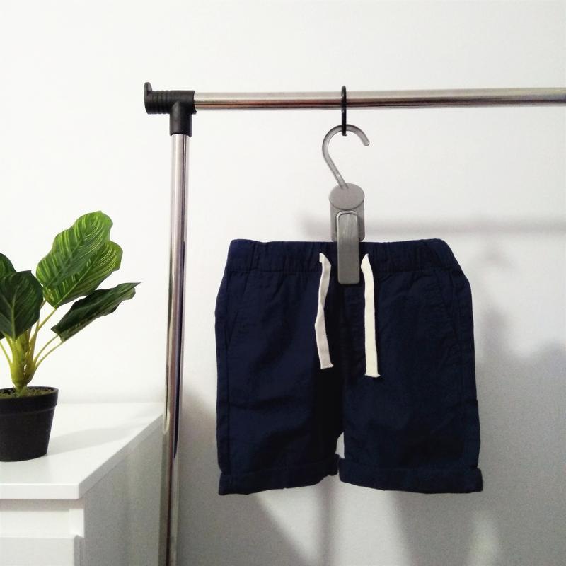Фирменные шорты h&m для мальчика.