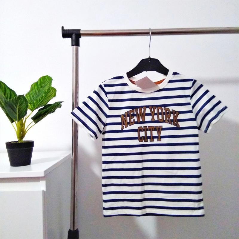Фирменная футболка h&m для мальчика.