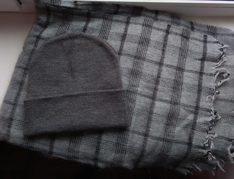 Новый модный комплект: шапка бини и мягкий шарф