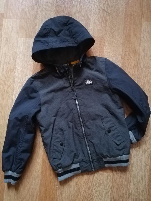 Ветровка куртка курточка tu на 5-6 лет