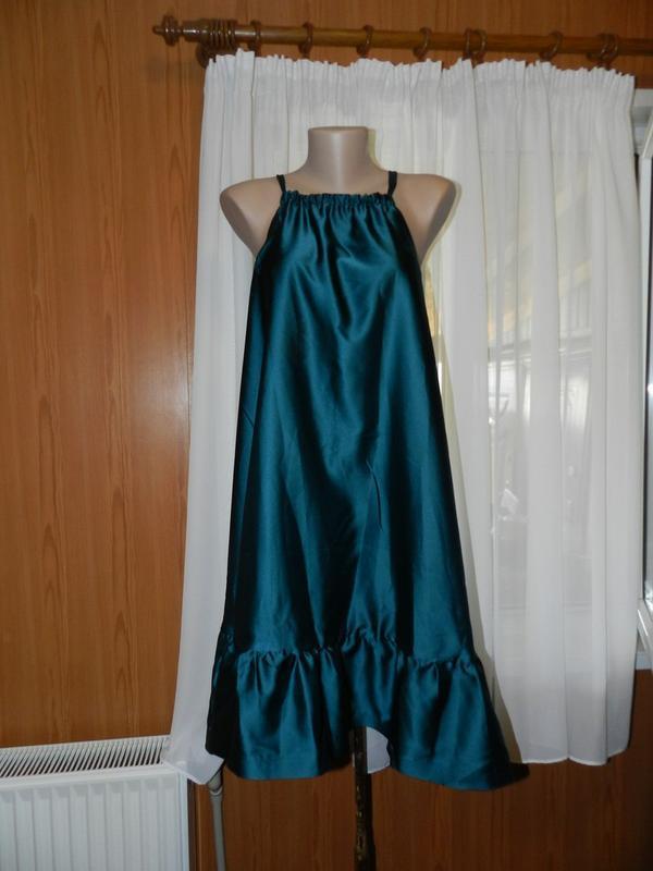 ✅очень красивое платье струящаяся ткань! размер 46-48 в продаж...