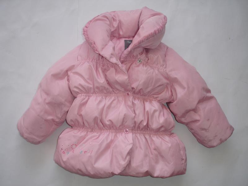 Фирменная пуховая зимняя куртка девочке на год полтора в идеале