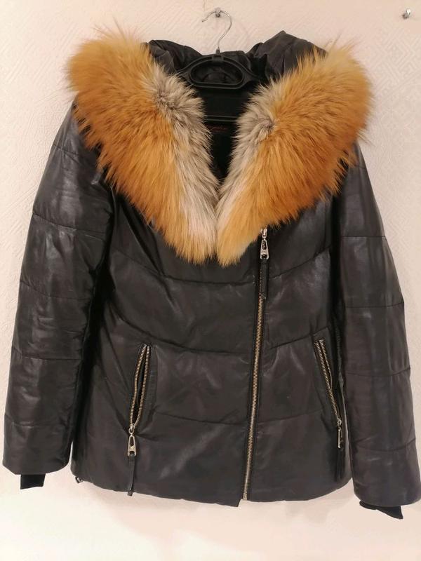 Кожаная куртка с лисиным воротником. - Фото 3