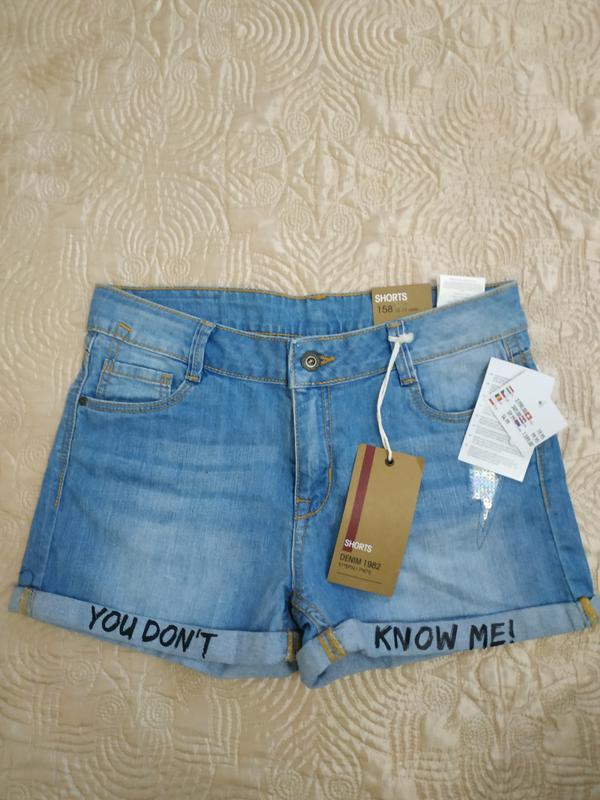 Новые джинсовые шорты для подростка
